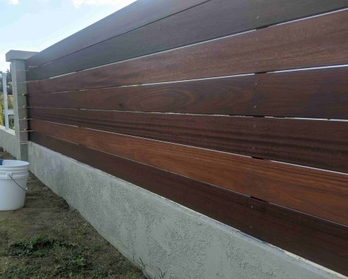 wood-fence-staining